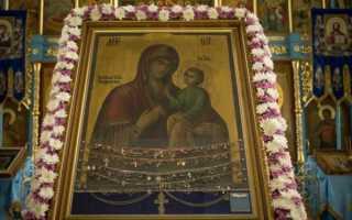 Тихвинская икона божией матери в тихвине